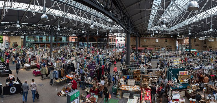 Old_Spitalfields_Market_Panorama,_London,_UK_-_Diliff.jpg